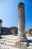 antik kolonn Arkivfoto
