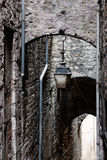 Antik lykta i Sisteron. Provence Frankrike Royaltyfria Bilder