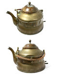 antik mässing isolerad teapotwhite Royaltyfria Bilder