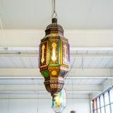 antik mörk tappning för lampa för skrivbordglödgreen royaltyfria bilder