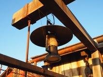 antik mörk tappning för lampa för skrivbordglödgreen Arkivfoton