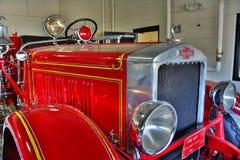 Antik motor för röd brand Royaltyfri Bild