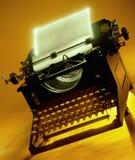 Antik ordprocessor - skrivmaskin Fotografering för Bildbyråer