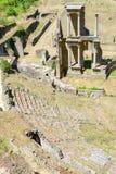 Antik roman amfiteater av Volterra på Tuscany Arkivbilder