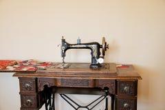 Antik sångare Sewing Machine royaltyfria foton