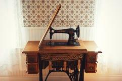 Antik sångare Sewing Machine fotografering för bildbyråer