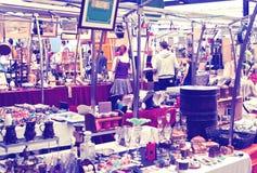 Antik skärmGreenwich marknad Berömt ställe som köper en konst, hantverk, antikviteter etc. , London Arkivfoto