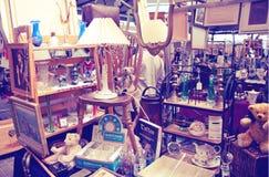 Antik skärmGreenwich marknad Berömt ställe som köper en konst, hantverk, antikviteter etc. , London Royaltyfria Foton