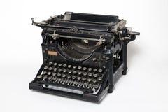 Antik skrivmaskin royaltyfria bilder