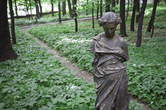 Antik skulptur parkerar arkivbilder