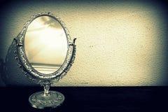 antik spegel Arkivbild