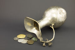 Antik tillbringare som göras av silver Arkivfoto