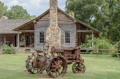 Antik traktor Royaltyfri Fotografi