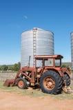 Antik traktor Arkivbild
