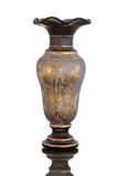 Antik vas - snittexponeringsglas - på vit bakgrund Arkivbilder