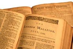 antika böcker öppnar Royaltyfri Foto