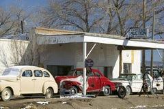 Antika bilar på vägrenen på rutt 54, Carrizozo, sydligt nytt - Mexiko Fotografering för Bildbyråer