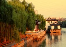 Antika byggnader längs den Qinhuaihe floden Arkivfoton