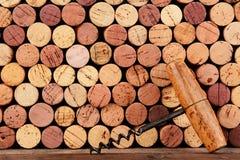 Antika Cork Screw och korkar royaltyfri foto