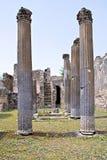 Antika kolonner i Pompeii Royaltyfria Bilder