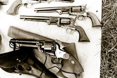 antika revolvers Arkivfoton