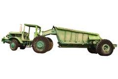 Antika traktorer med att tippa släptappning som bryter trans. som isoleras på vit bakgrund royaltyfri fotografi