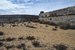 Antika väggar av Rato-fortet i Tavira Royaltyfri Fotografi