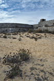 Antika väggar av Rato-fortet i Tavira Royaltyfria Bilder