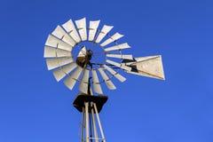 Antike Aermotor Windmühle Stockbilder