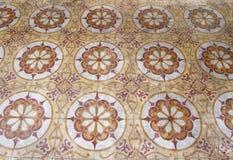 Antike arabische Fußbodenfliesen Stockfotos