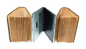 Antike Bücher und Notizbuch Stockfoto