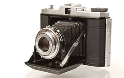 Antike faltende mittlere Format-Kamera Lizenzfreie Stockfotografie