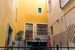 Antike Gebäude in der Straße #2 Stockfoto