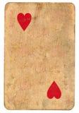 Antike Spielkarte des Herzpapierhintergrundes lokalisiert auf Weiß Lizenzfreie Stockfotos