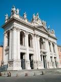 Antike Statuen des Bogens in Rom stockbilder