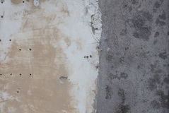 Antike strukturierte Wand vom Stein in Rom mit zwei Farben Stockfotos
