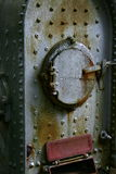 Antike Tür zum Dampfkessel Stockfotos