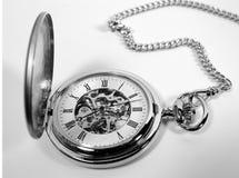Antike Taschen-Uhr stockfotos