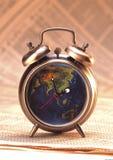 Antike Uhr auf Aktienindex Lizenzfreie Stockfotos
