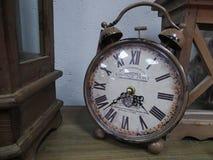 Antike Uhren, Wecker Lizenzfreie Stockfotos
