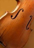 Antike Violine auf Bildschirmanzeige Stockfotografie
