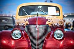 Antike Weinlese und alte Autos lizenzfreies stockbild