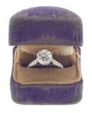 Antiker Diamant von 1920 in abgenutztem Ring-Kasten Stockfoto