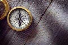 Antiker goldener Kompass Stockbilder