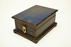 Antiker kleiner dunkles Braun Kasten stockbild
