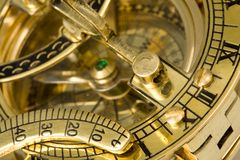 Antiker Kompaß mit Sundial. Lizenzfreie Stockfotografie