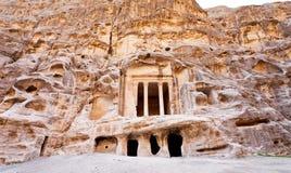 Antiker Nabatean Tempel in wenig PETRA Stockfotos