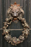 Antiker Tür-Klopfer stockbilder