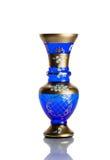 Antiker Vase - geschliffenes Glas - lokalisiert auf weißem Hintergrund lizenzfreie stockfotos