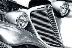 Antikes Auto-Scheinwerfer und Grill Stockfotografie